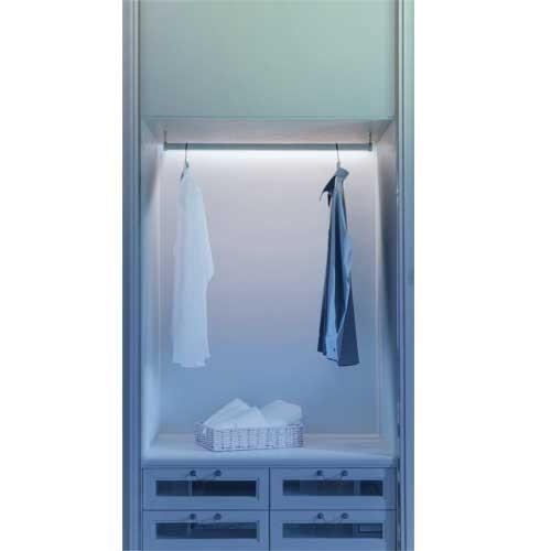 r glette led sous meuble piles osram 2 9w 314mm blanc. Black Bedroom Furniture Sets. Home Design Ideas