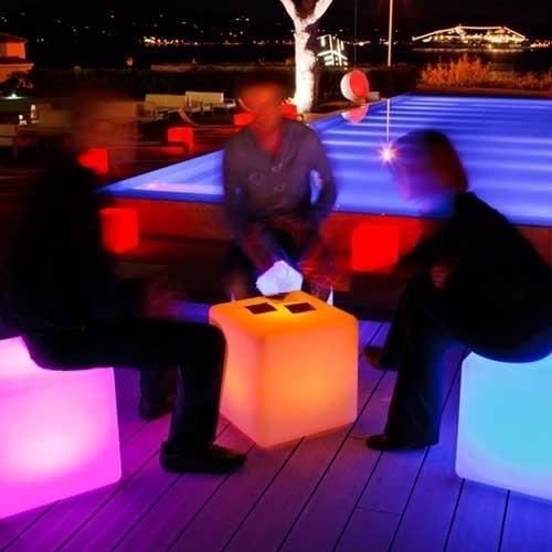 cube lumineux led multicolore sans fil tanche 35cm. Black Bedroom Furniture Sets. Home Design Ideas